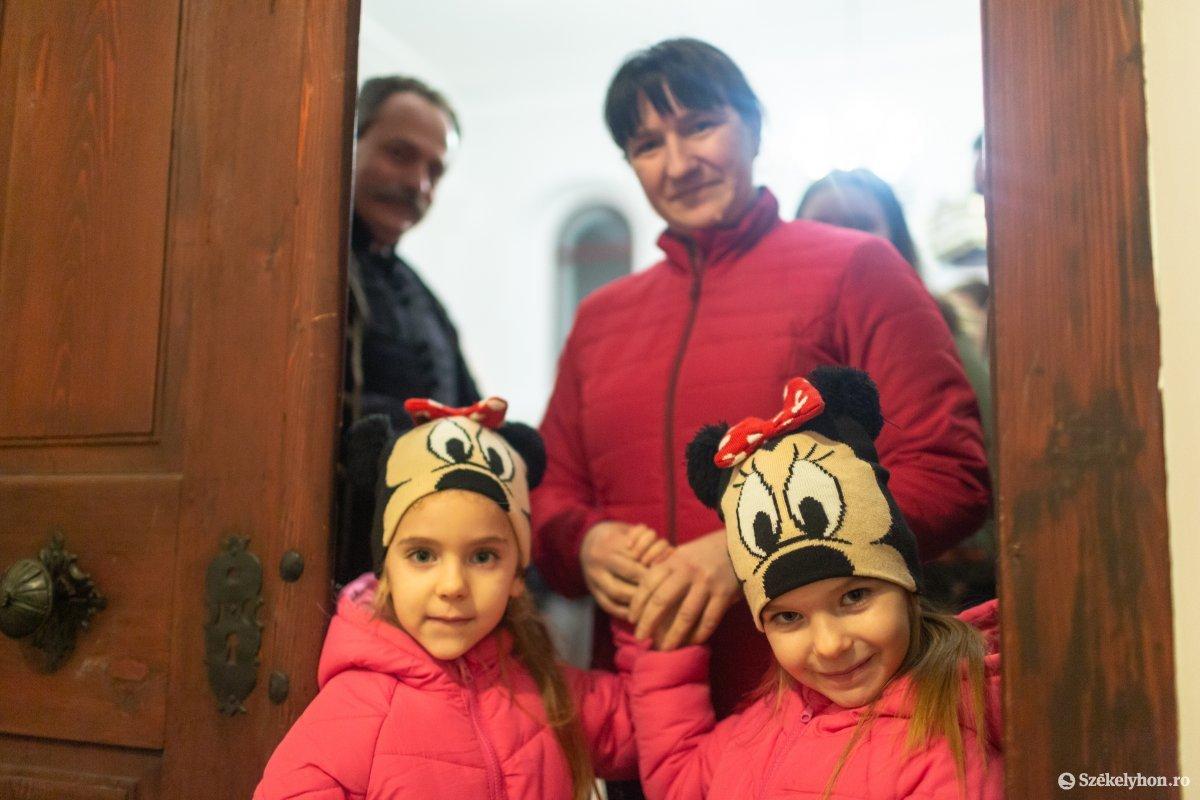 https://media.szekelyhon.ro/pictures/udvarhely/aktualis/2020/12-januar/o_istentisztelet-imahet--hotgya-ebe-120.jpg