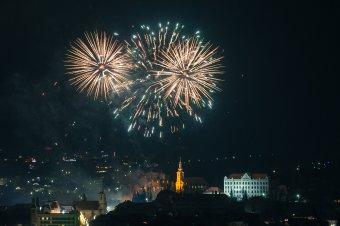 Egy percben a teljes udvarhelyi tűzijáték – videó
