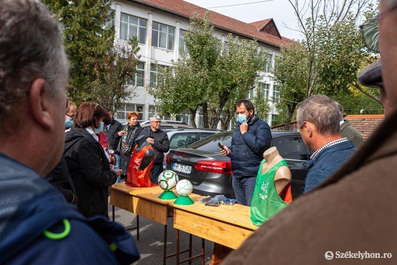 Udvarhelyszékre is megérkezett a magyar kormány sportszeradománya