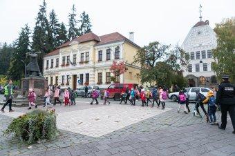 Sokan csatlakoztak, egyre népszerűbb a lábbuszprogram Székelyudvarhelyen