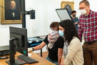 Fejlett tudást és eszközparkot biztosítanak a székelyföldi múzeumok részére Budapestről