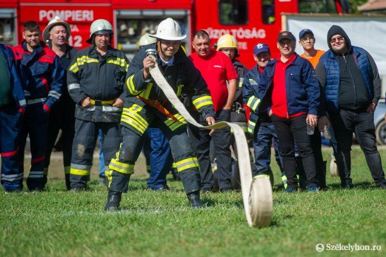 Önkéntes tűzoltók versenyeztek Lövétén