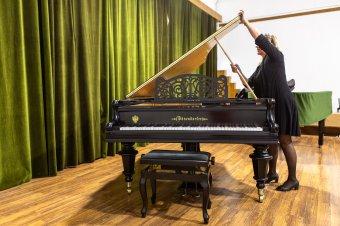 Európa-szerte is kevés olyan koncertzongora van, amilyet az udvarhelyi zeneiskola kapott