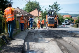Egy hónapra lezárják a nyikómalomfalvi útszakaszt hídjavítás miatt