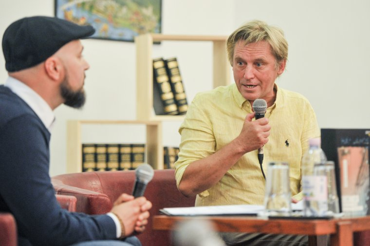 Háy János: az esendőség köt össze minket