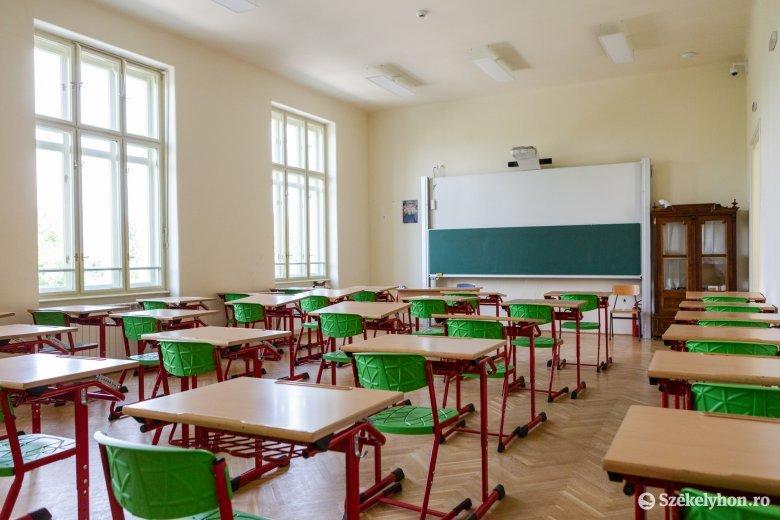 Cîmpeanu: csak a tanár árulhatja el a szülőnek, be van-e oltva, az iskola mindössze statisztikát közöl