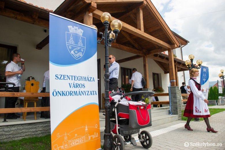 Eredeti székhelyére költözött vissza a szentegyházi polgármesteri hivatal