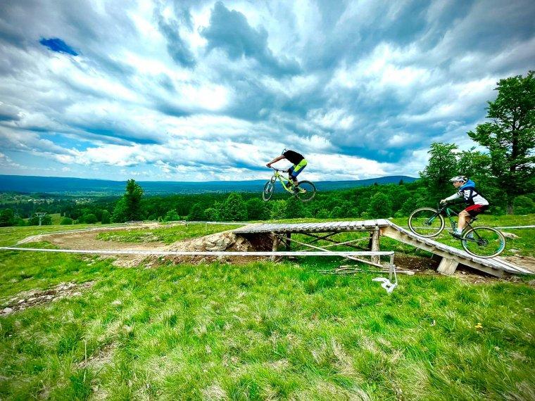 Túrázókat, kerékpározókat várnak: nyáron is üzemel a székelyvarsági szabadidő-komplexum