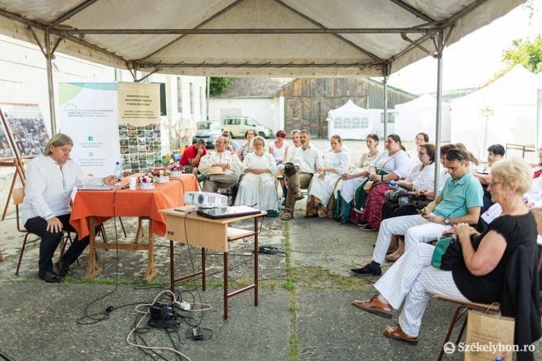 Együttműködési lehetőségekről beszéltek a Míves Emberek Sokadalma megnyitóján