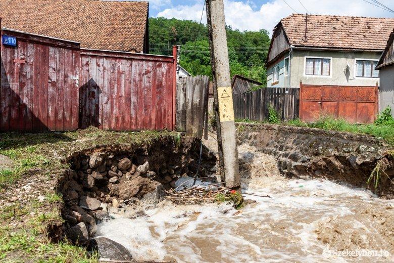 Jelentős károkat okozott a lezúduló vízmennyiség Lövétén és Homoródalmáson