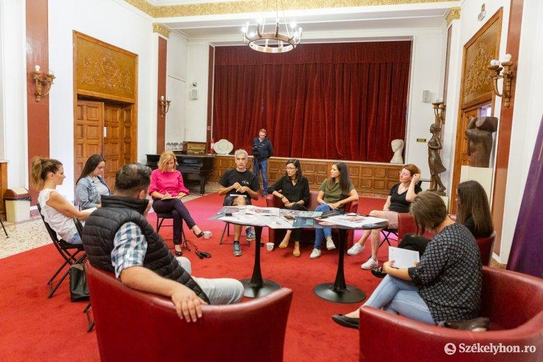 Nyolc bemutatóval, előadások pótlásával készülnek az új évadra a Tomcsa Sándor Színházban