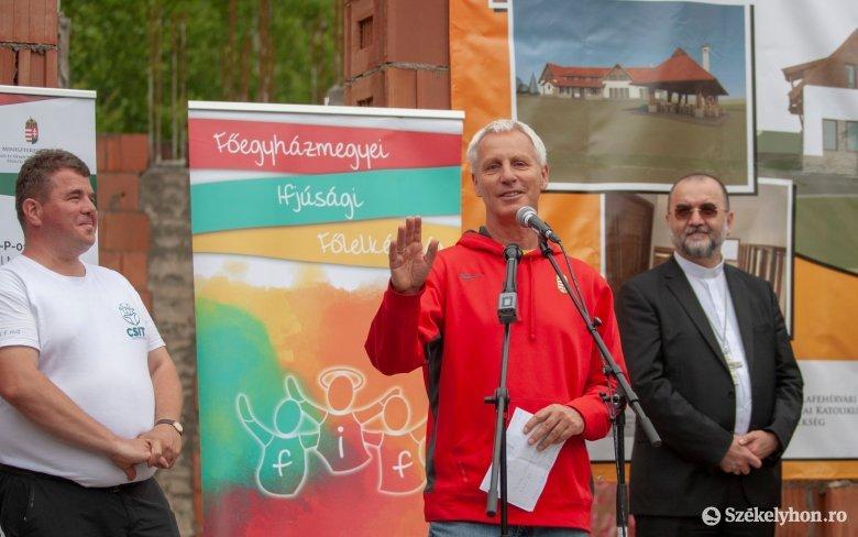 A hit és a megerősödés helyszíne lesz a Szelterszen a magyar állam támogatásával épülő ifjúsági ház