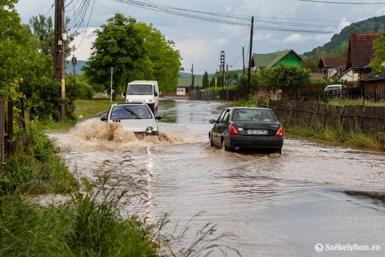 Vörös árvízriadó Hargita megyében, narancssárga riadó Kovászna megyében