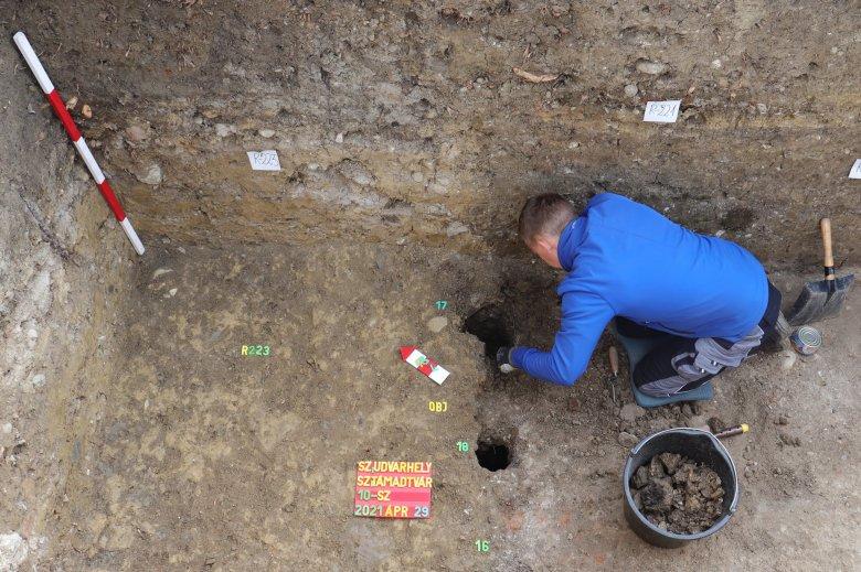 Székelyföld egyetlen középkori domonkos kolostorára bukkantak a székelyudvarhelyi várnál