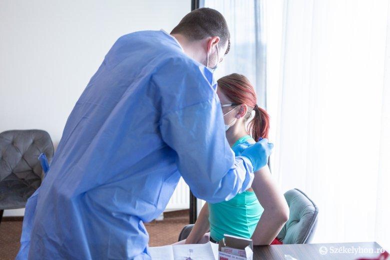 Az oltást nem vállaló háziorvosok páciensei más rendelőben is beoltathatják magukat