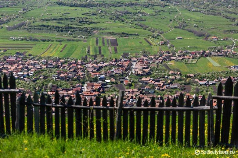 Ingyenesen telekkönyveznek Zetelaka és Kászonaltíz községekben