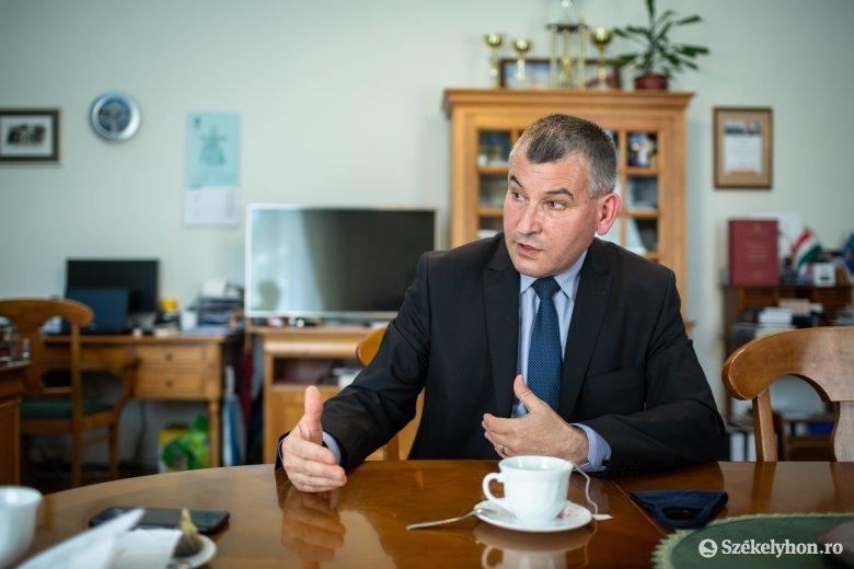 Közbiztonságról, romakérdésről, új pártról, beruházásokról, jövőképről Gálfi Árpáddal