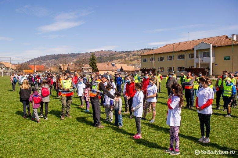Több mint háromszázan kapcsolódtak be a közösségi szemétszedésbe Zetelaka községben