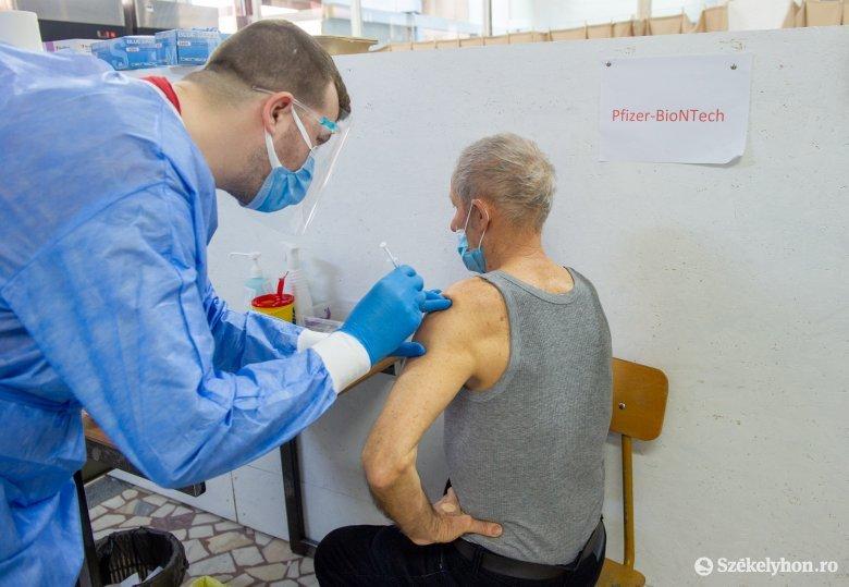 Több mint egymillió idős személy kapta meg az oltás legalább első adagját Romániában