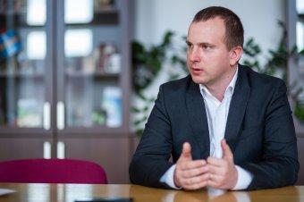A magánszférát állami szektorra cserélte: gazdasági igazgatóból lett városmenedzser