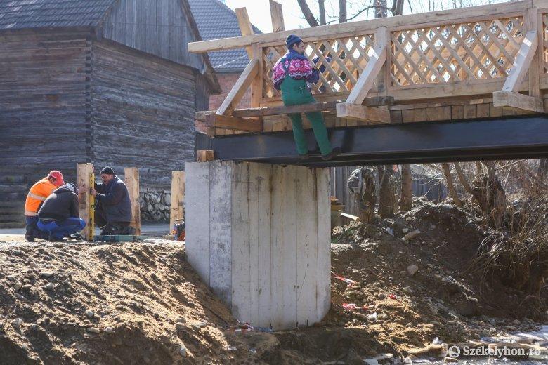 Aszfaltoznak, hidakat építenek és korszerűsítenek Máréfalván