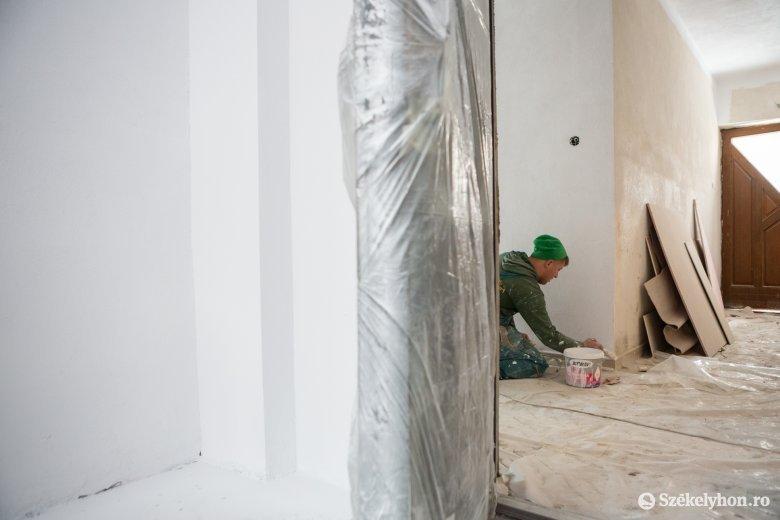 A tervek szerint nyárra befejeződik a szentegyházi polgármesteri hivatal épületének felújítása
