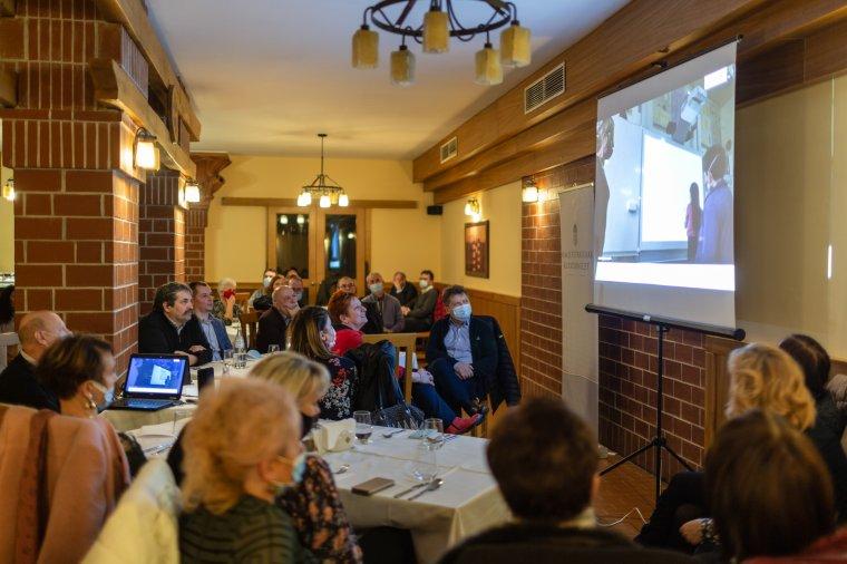 Tizenhat osztályközösség kapott okostáblát Hargita megyében