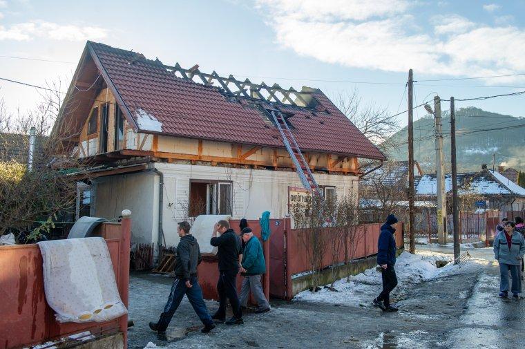 Lakóház tetőzete gyúlt ki Székelyudvarhelyen