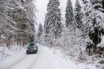 Havazásra, erős szélre, jegesedésre figyelmeztetnek a meteorológusok