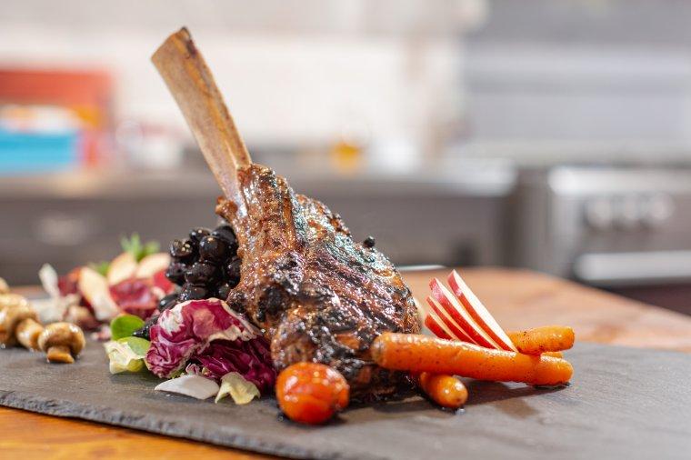 Így érdemes elkészíteni a tomahawk-steaket