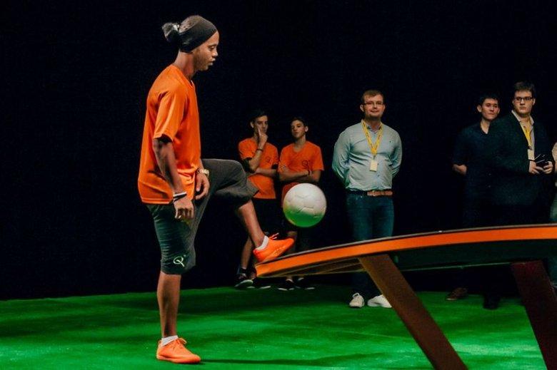 Ronaldinho Budapesten, a teqball-vb sztárvendége lesz