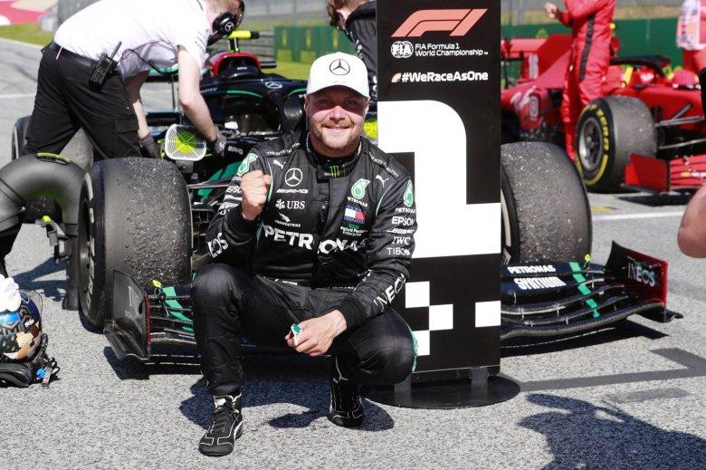 Bottas nyerte az F1 nyári idénynyitóját