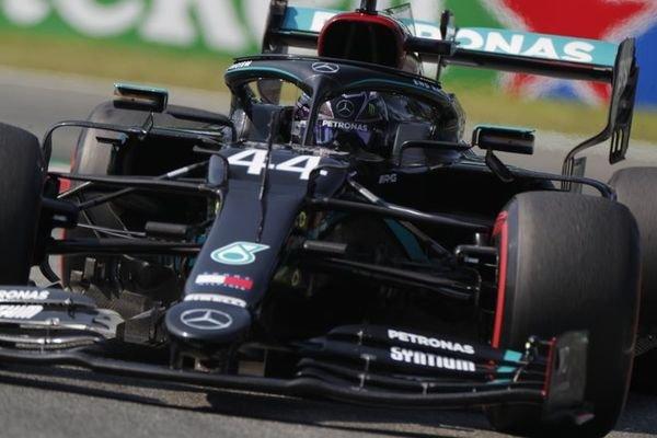 Toszkán Nagydíj: Hamiltoné a pole pozíció Mugellóban