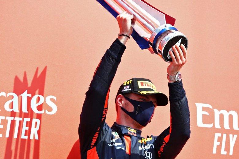 Verstappen nagyszerű stratégiával nyert Silverstone-ban