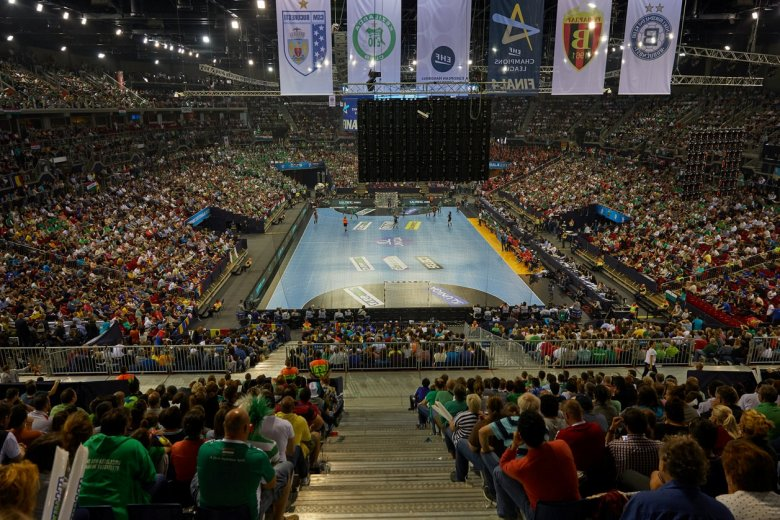 Az ITF tárgyal a budapesti teniszdöntő új időpontjáról