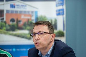Nyilvánosan közzétette lemondásának okait András Lehel
