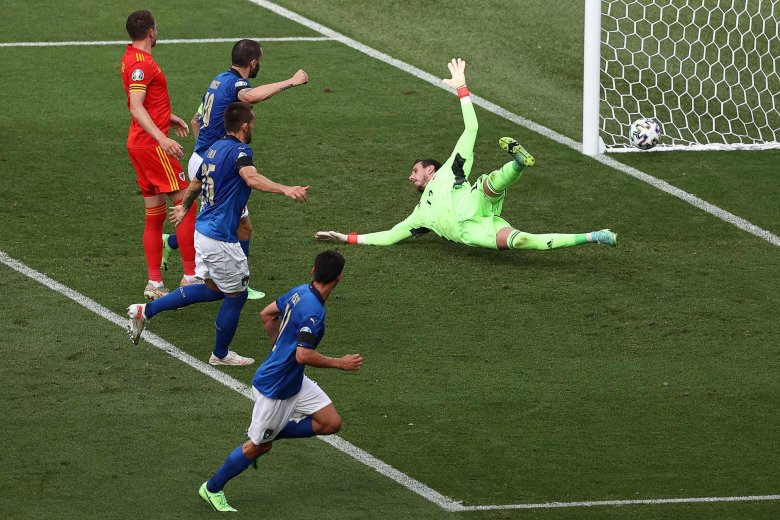 Sporttörténelmet írva csoportgyőztesek az olaszok