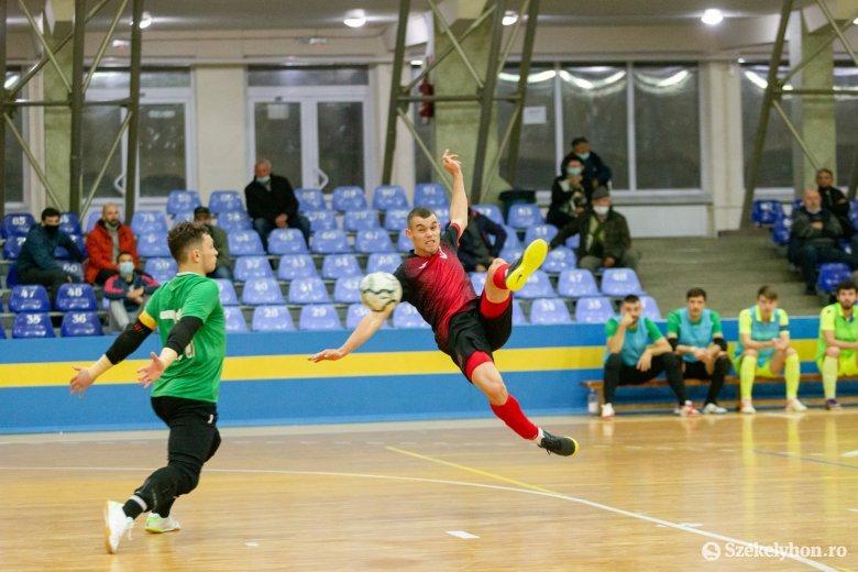 Az FK Udvarhely kapusa a tabella élére lőtte csapatát
