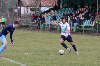 A védelem mindkét oldalán bevethető játékost igazolt az SZFC