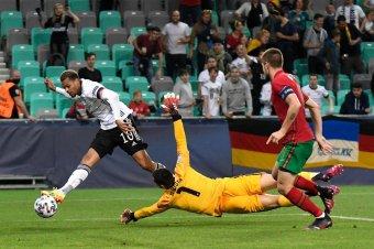 Az ifiknél a németeké a foci Eb-serleg