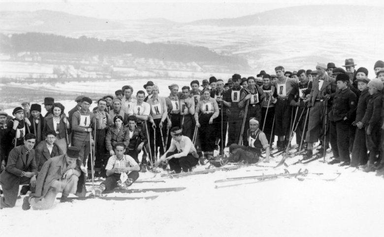 A hó szerelmesei: az alpesi sízés kezdetei Székelyudvarhelyen