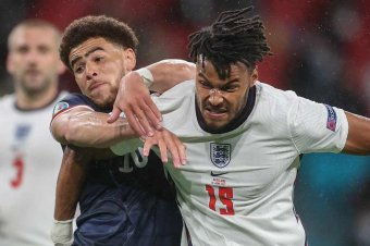 Nem jutottak dűlőre a britek a Wembley-ben