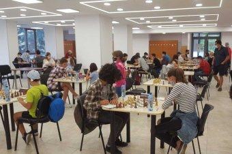 Csíkszeredában elkezdődtek a sakkcsaták
