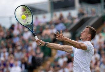 Elmaradt a bravúr, Fucsovics kikapott Djokovictól a negyeddöntőben