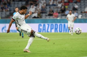 Belga-portugál és angol-német csúcsmeccsek a nyolcaddöntőben