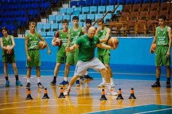 Neves litván klub szakembereitől tanulhattak a fiatal kosarasok
