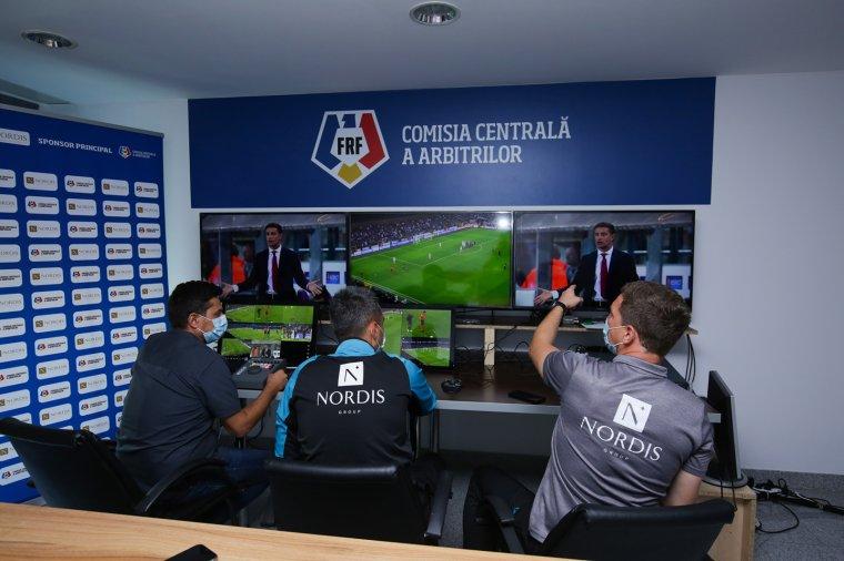 Elkezdték a videóbíró-rendszer tanulmányozását a romániai játékvezetők