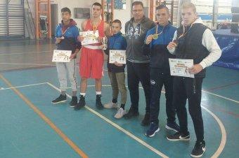 Csíki érmesek a kolozsvári bokszversenyen