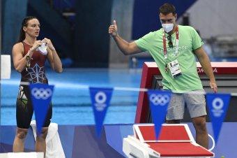 Éremesélyes magyar úszók, bemutatkozik a férfi vízi- és a női kézilabdacsapat – vasárnapi olimpiai program