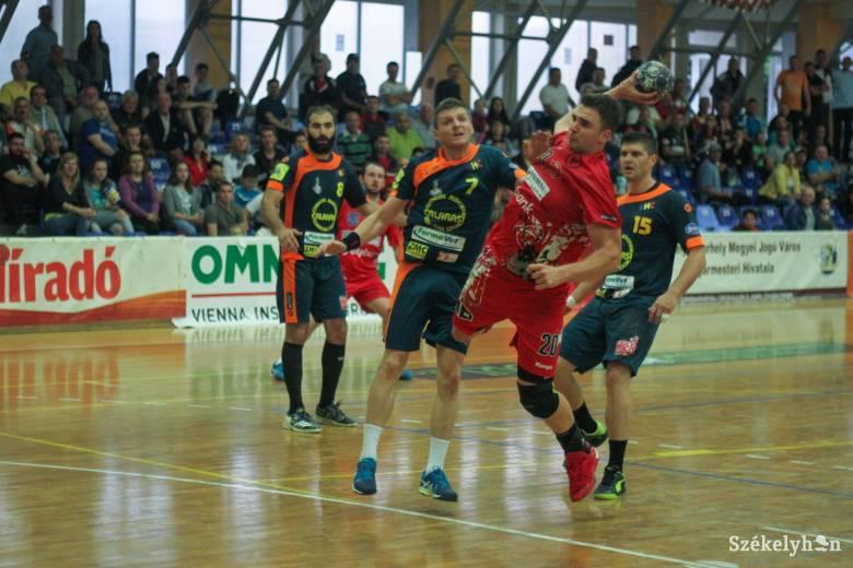 Szász András visszatér a román bajnokhoz
